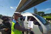1.500 Kendaraan Menuju Jakarta Diputar Balik di Tol Cikampek