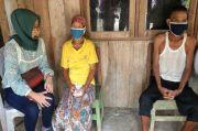 Pasangan Lansia Miskin di Pekalongan Tidur Bareng Ayam Peliharaan