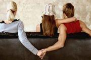 Suami Sudah Loyo, Ibu Rumah Tangga di Merangin Ajak Dua Selingkuhan Threesome