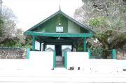 Masjid Quba dan Nisan Sultan Buton Muhammad Idrus Kaimudin