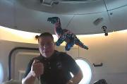 Astronot NASA Bawa Boneka Dinosaurus ke Luar Angkasa , Buat Apa?