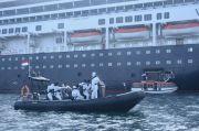 Tiba di Tanjung Priok, 194 ABK Kapal Pesiar MV Volendam Dievakuasi