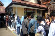 Pemohon SKCK Membeludak, Antrean Mengular di Mapolresta Cirebon