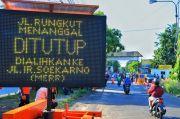 Cegah COVID-19, Jalan Rungkut Menanggal Surabaya Ditutup