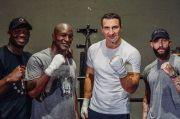 Tak Cukup Klitschko, Holyfield Undang Latihan Antonio Tarver Jelang vs Mike Tyson