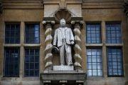 Demonstran Oxford Protes Patung Penjajah Cecil Rhodes