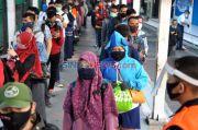 Kurangi Kepadatan di KRL, Pemerintah Bakal Terapkan Sistem Kerja Shift