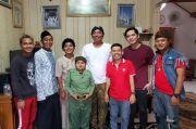 Kampung Ember, Drama Komedi yang Tidak Hanya Mengocok Perut