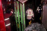 Api Ludeskan Pabrik Roti dan 1 Mobil di Kabupaten Cirebon