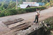 Warga Tondong Kura Pangkep Keluhkan Jalan Rusak Parah