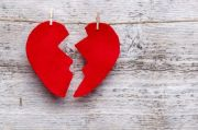 Zodiak: Mengapa Seseorang Berhenti Mencintai Pasangannya?