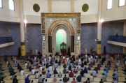 Salat Jumat Perdana di Masjid Raya Bandung, Jamaah Tak Bermasker Dilarang