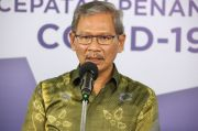Jubir Covid Achmad Yurianto Soroti Kerumunan saat Istirahat Makan Siang
