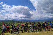 Sport Tourism Menggeliat di Bukit Teletubbies Labuan Bajo