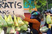 Salut! IRT Ini Sisihkan Uang Belanjanya untuk Berbagi Sayuran kepada Warga Terdampak Corona