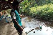 Aneh, Dermaga di Keerom Papua Ini Dibangun di Sungai yang Dangkal