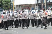 Kesabaran Polwan-polwan Cantik Redam Demonstrasi Saat Pandemi