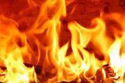 4 Unit Damkar Padamkan Kebakaran Minimarket di Kemanggisan