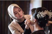 Inspiratif, Drg. Irvanda Mulyaningsih Nikmati Jadi Makeup Artist