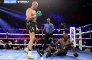 Tyson Fury: Kalau Bukan Diselamatkan Breland, Wilder Sudah Pensiun Dini