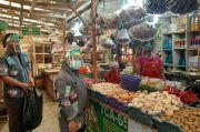 Pasar Jaya Jakut Terapkan Pedagang Pakai Face Shield