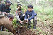 Perhutani dan Polres Karanganyar Tanam Pohon di Gunung Lawu