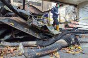 Labfor Polda Jatim Selidiki Penyebab Kebakaran Toko Pakaian di Mojokerto