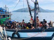 Puluhan Rohingya Tewas Selama 4 Bulan Naik Perahu ke Malaysia