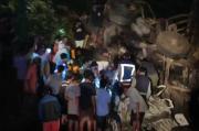 Truk Seruduk Pikap di Jalur Malang-Surabaya, 2 Pengemudi Tewas