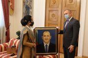 Dubes Sri Astari Dianugerahi Bintang Penghargaan oleh Presiden Bulgaria