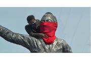 Corona Sulit Dikendalikan, Patung RA Kartini Dipasangi Masker