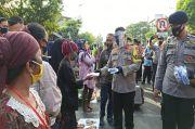 Cegah Penularan COVID-19, Jutaan Masker Dibagi ke Warga Jatim