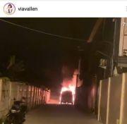 Mobil Alphard Via Vallen Diduga Dibakar Orang