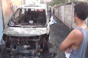Usai Dipakai Syuting, Ini Penampakan Mobil Via Valen yang Dibakar