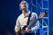 Bassist Maroon 5 Mickey Madden Ditahan dengan Tuduhan Kekerasan Domestik
