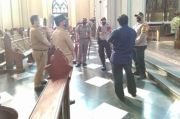 Jelang Dibuka, Polisi Cek Protokol Kesehatan di Gereja Katedral