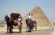 Mesir Buka Lagi Bandara dan Sambut Turis Kunjungi Piramida