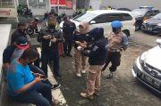 Pria Paruh Baya yang Meninggal di Mobil Ternyata Sopir Taksi Online