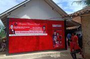 Anggota DPR-RI Rieke Diah Pitaloka Resmikan Bedah Rumah Nenek Nemah di Bekasi