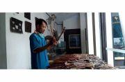 Tradisi Bersihkan Wayang Kulit Usia 500 Tahun di Keraton Kasepuhan Cirebon