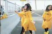 Berjoget India untuk TikTok di Jembatan Suramadu, 3 Emak-emak Diamankan Polisi
