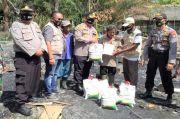 Komunitas Sedekah Jumat Bantu Korban Kebakaran di Batubara