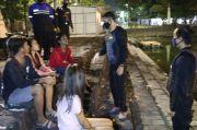 2 Gadis Cantik Ditangkap Saat Pesta Miras dengan 4 Remaja Pria