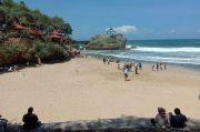 Ribuan Wisatawan Mulai Padati Pantai di Gunungkidul