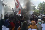 Tuntut Kesejahteraan Petani, Demo Mahasiswa di Gedung DPRD Bima Ricuh