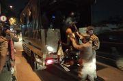 Nekat Jual Diri di Taman Cut Meutia Bekasi, 8 PSK Digelandang Satpol PP