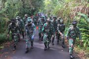Jaga Kemampuan Fisik, Prajurit Lantamal VIII Latihan di Gunung Mahawu