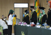 Luluskan 201 Apoteker, Rektor Unjani Sebut Tantangan Makin Terbuka
