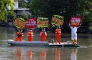 Ecoton Susur Sungai Surabaya, Tolak Pemakaian Plastik Sekali Pakai