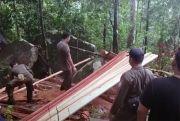 Tim Gabkum Temukan Pembalakan Liar di Hutan Konservasi Bukit Menumbing
